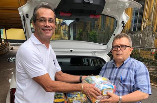 Sinduscon-MA e Sindconstrucivil realizam entrega de cestas básicas para trabalhadores em situação de vulnerabilidade
